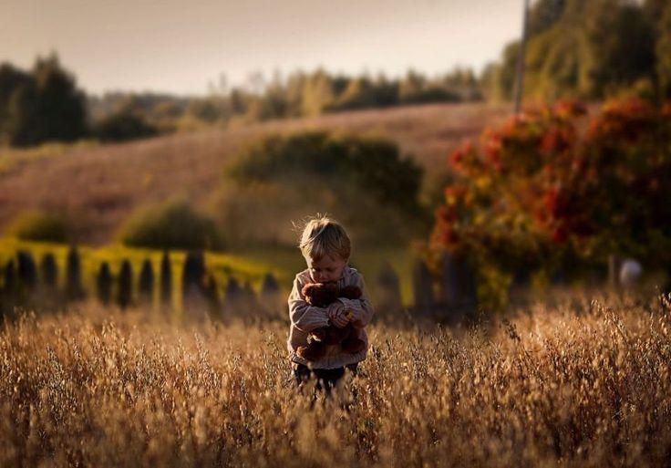 Elena Szumiłowa od dwóch lat fotografuje każdy dzień z życia swoich synków. Tak ciepłych zdjęć nie zobaczycie dziś nigdzie indziej