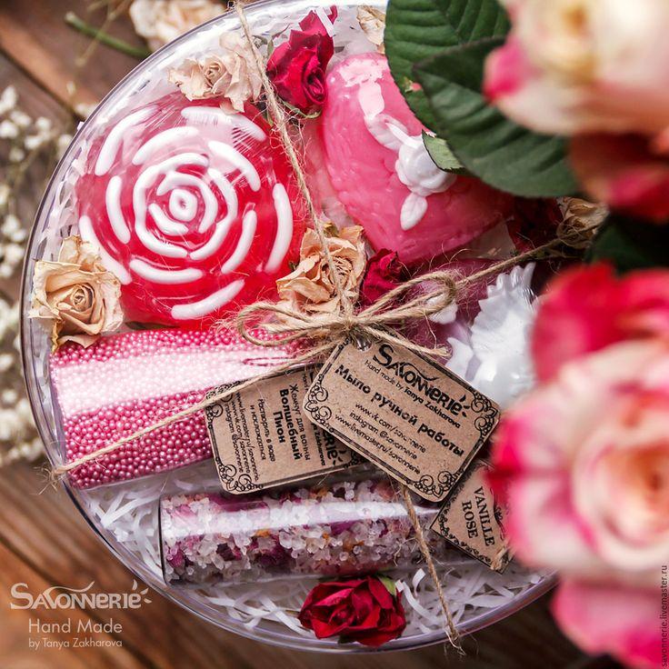 Купить Большой набор мыла в круглой коробке - #розовый, #подарок #коллеге, #мыло #роза, #винтаж  #savonnerie