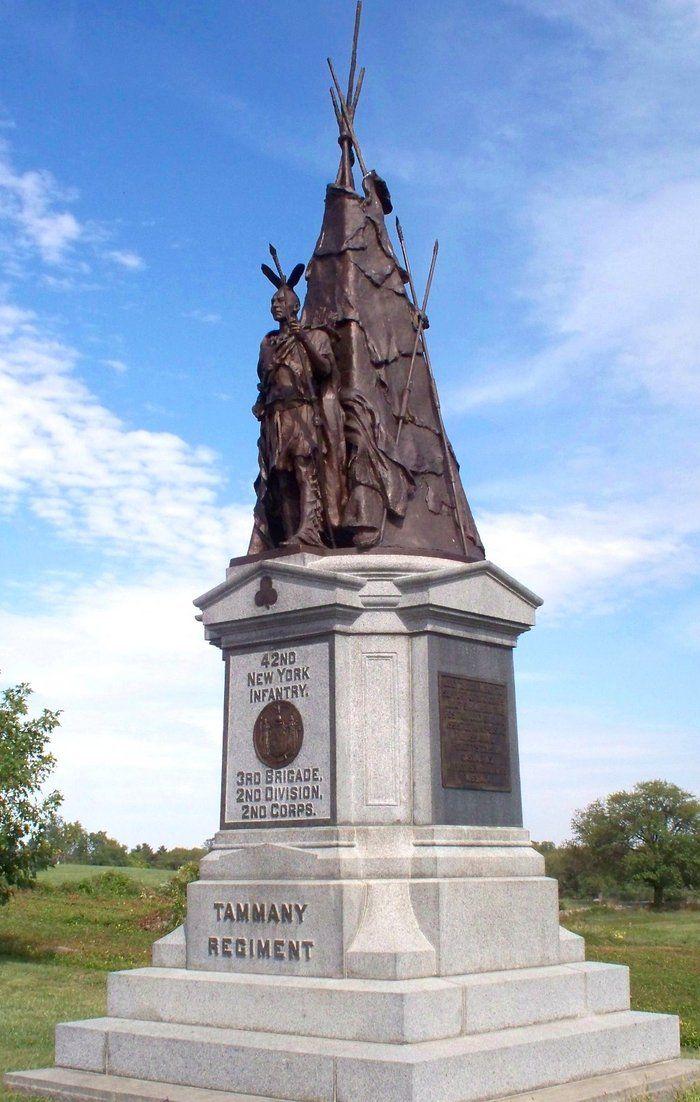 Yeronga Memorial Park, Honour Avenue Cenotaph
