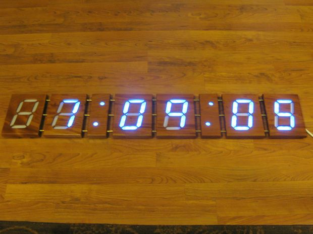 4-Foot Wooden Digital Clock tutorial
