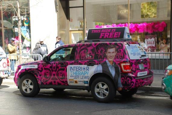 A emissora de TV Bravo colocou 10 táxi customizados para circular na cidade de Nova York, Estados Unidos, oferecendo corridas grátis. Que moleza, né?!