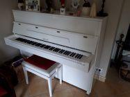 Annonce vente piano droit blanc laqué ritmuller (allemagne) vends un piano quasi neuf : instruments de musique à vendre sur ParuVendu Mondebarras WB157201436 - 1300 € mini