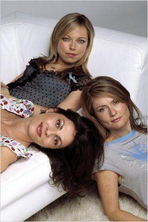 Sarah Alexander, Gina Bellman, Kate Isitt.