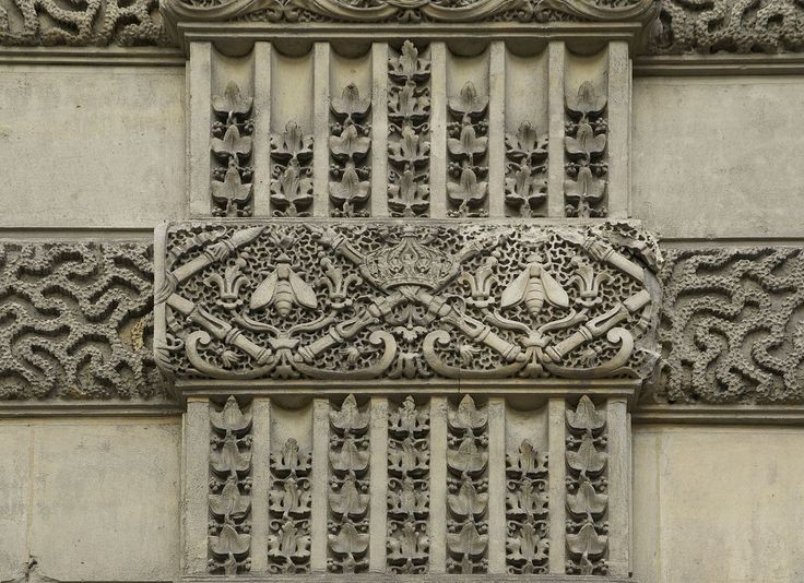 Details of sculpted decorations visibles on the walls of the Louvre Palace in Paris. One can see an imperial crown, sceptres, and bees. They are symbols of the french Second Empire (1852-1870). Category:Sculptures of bees - Wikimedia Commons