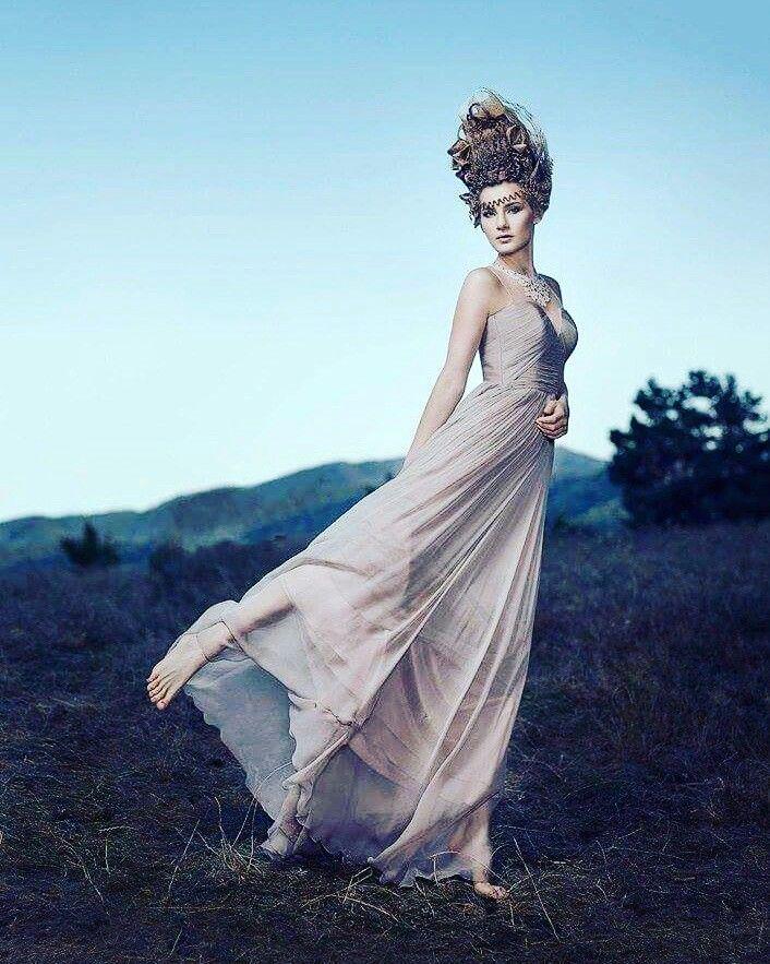 Model: raluca lazaroaie Mua: cristian buca Photo: zia vey Wordrobe: divine atelier