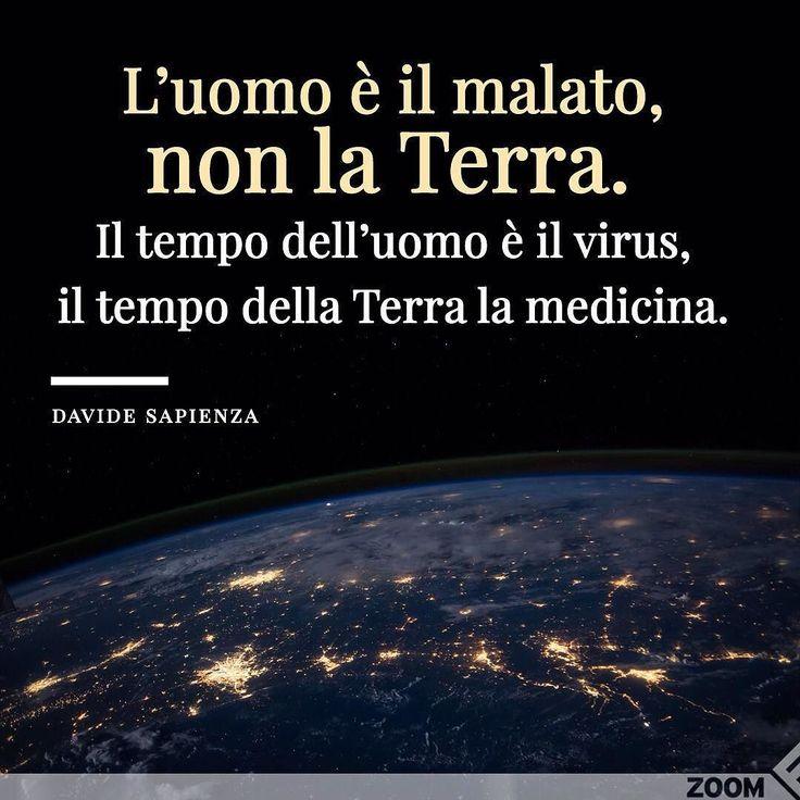 Oggi è la #GiornataDellaTerra. La celebriamo con una citazione di Davide Sapienza {http://bit.ly/Camminando-DS  link in bio} . . Non dobbiamo guarire la Terra ma luomo. Gaia se la caverà comunque nel Grande Tempo aldilà del dolore che noi percepiamo vedendo cosa stiamo facendo a lei dunque a noi. Gaia vive si organizza si evolve senza tradire la propria natura immensa e misteriosa. Noi se non ci occupiamo della nostra malattia resteremo fuori. Avremo risorse limitate nel tempo credendole…