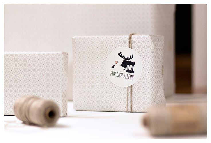 Das #Geschenkpapier macht aus jedem noch so kleinen Präsent einen Hingucker - und das schon vor dem Auspacken.