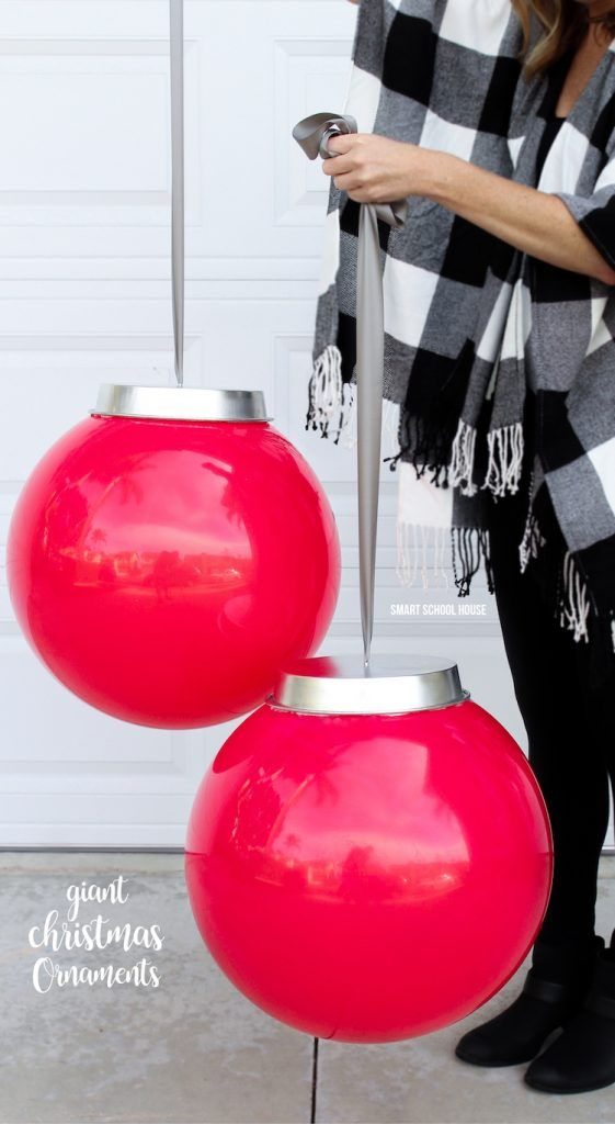Kids play balls and a cake pan from the dollar store! Bring in the Holidays with these GIANT CHRISTMAS ORNAMENTS for your home! How to Make Your Own Huge Outdoor Christmas Ornaments (Easy video tutorial)
