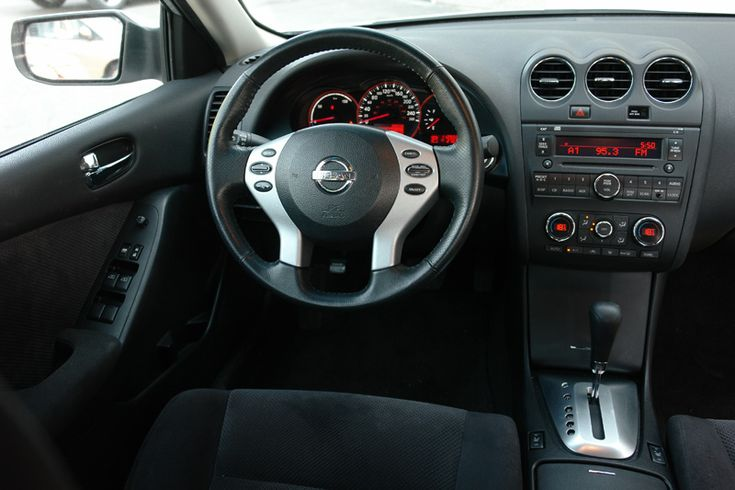 Nissan Altima 2008 interior
