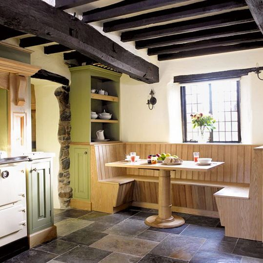 Nice diner feel to a kitchen