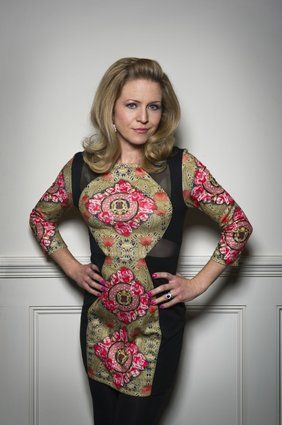 'EastEnders': The Women Of Albert Square  Linda Carter (Kellie Bright, 2014-Present) She may be the newest of the bunch, but Kellie's character hasn't had it easy since moving into The Vic.   While Linda has done her best to hold together the Carters, she's had a rough time, suffering a horrific assault at the hands of her brother-in-law, and acting as peacekeeper during the family's many feuds. (BBC)