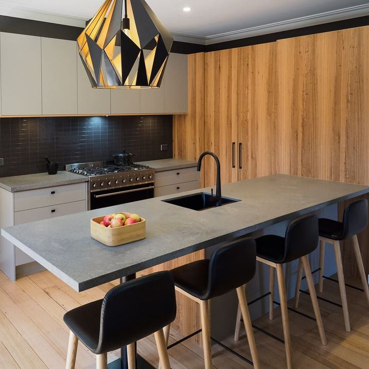 Loving the simplicity of this kitchen by @completekitchens1380 using Caesarstone Rugged Concrete  #caesarstone #caesarstoneau #ruggedconcrete @wkilby