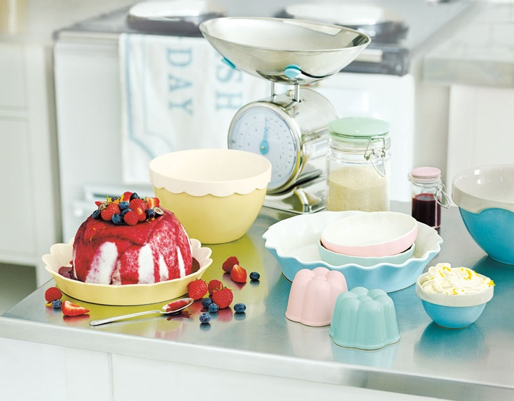 Our Jamie at Home Betty collection is our new vintage inspired kitchenware range. It will brighten up your kitchen and inspire you to get cooking!
