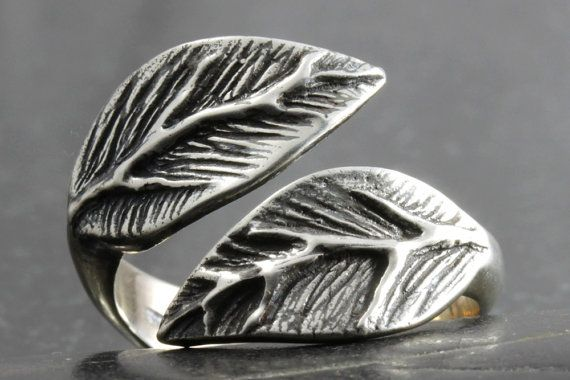 Leaf ring in sterling silver Available in by VanseeJewelry