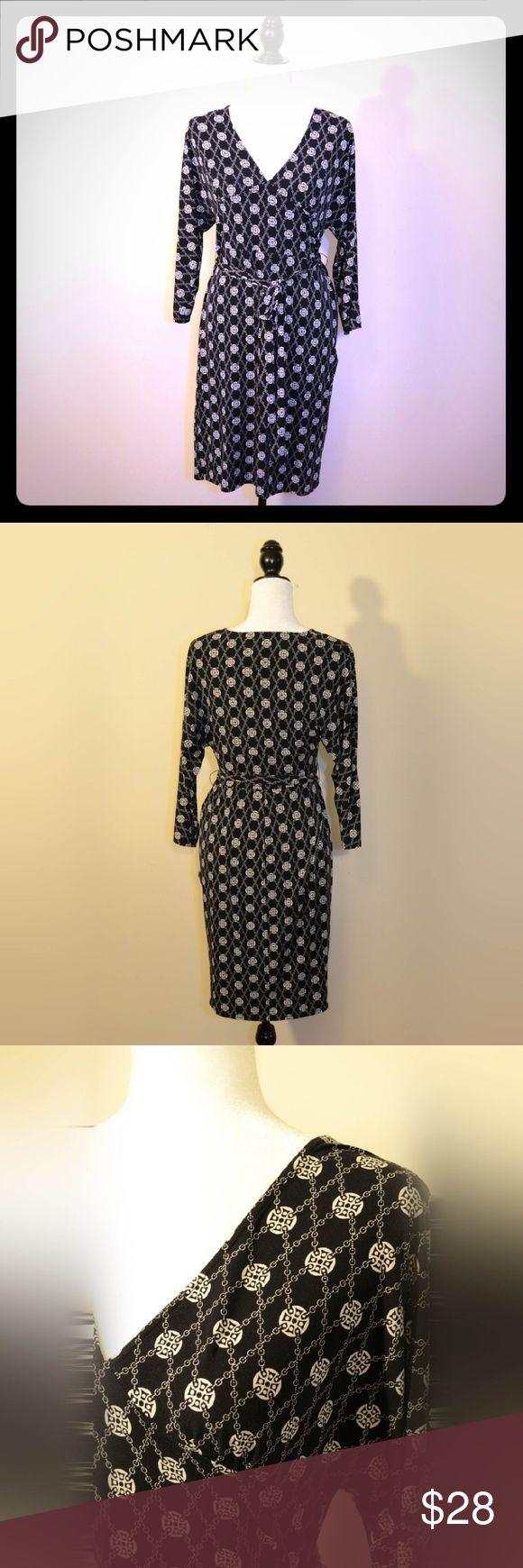 Black & White Dress - Laundry by Shelli Segal Elegant black and white patterned long sleeve dress by Laundry by Shelli Segal. Laundry by Shelli Segal Dresses Long Sleeve