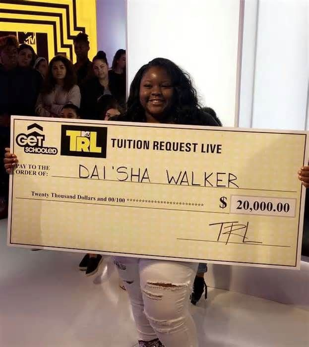 STL local wins $20K scholarship through MTV Southeast Missouri State University freshman Dai'Sha Walker recently won a $20,000 scholarship through a partnership between Get Schooled and MTV's Total Request Live and was presented the award during an appearance on the show. Walker was one of only ...