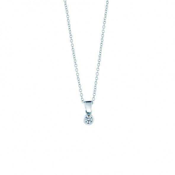 Zawieszka wykonana z 18-karatowego białego złota (próba 0,750). W zawieszce został osadzony diament o szlifie brylantowym, wysokiej czystości SI1/G o masie 0,05 ct. www.savicki.pl/kolekcje/lecoeur
