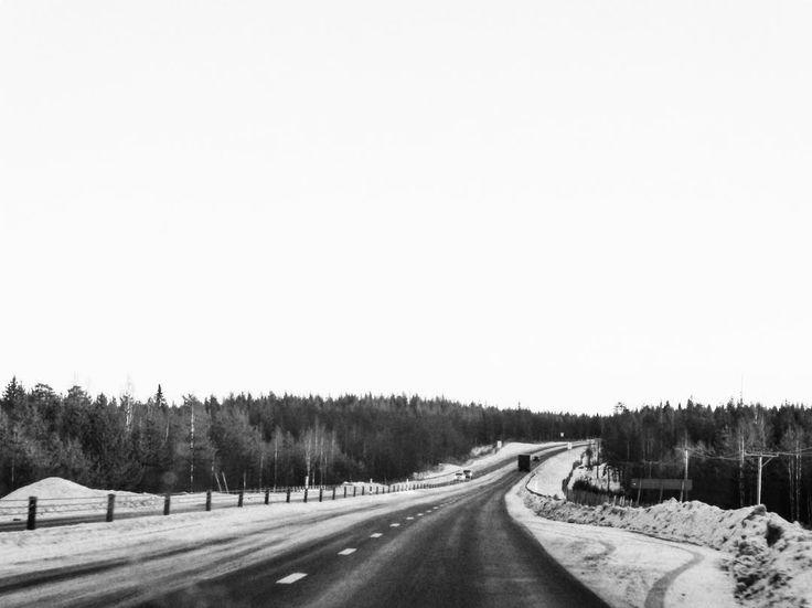 Töre Suède #bnw #blackandwhite #instablackandwhite #blackandwhitephotography #igerssweden #igworldclub #ig_photooftheday #instagood #photooftheday #beautiful #instadaily #art #amazing #bestoftheday #travel #instago #all_shots #trip #travelgram #instatravel #traveling #travelling #tourism #travelingram #bestview #road #horizon #landscape #sweden