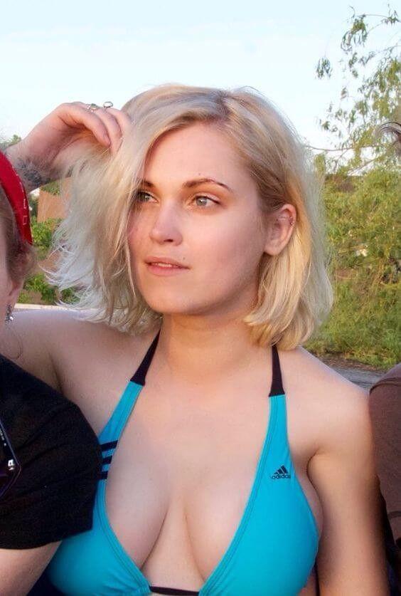 Eliza Taylor Bikini