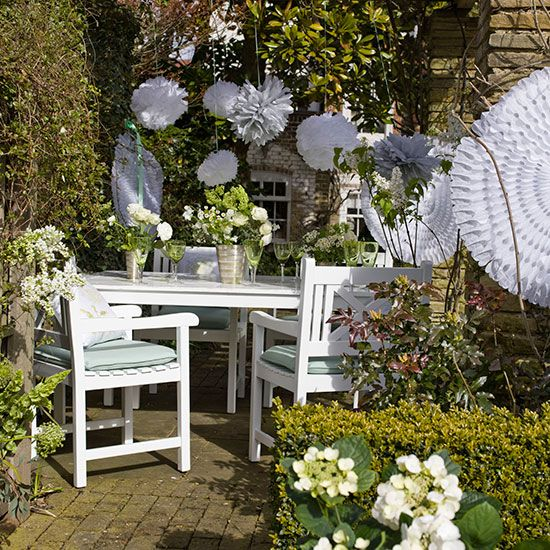 Brilliant Budget Garden Ideas That Will Easily Boost Your Outdoor E