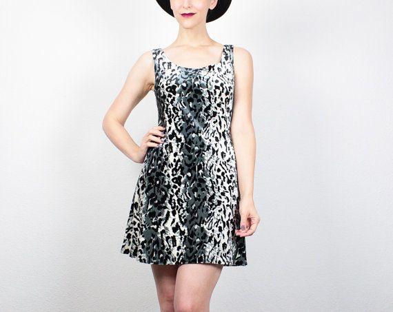 Vintage de los años 90 vestido leopardo gris negro vestido Mini estampado de 1990 Vestido de terciopelo vestido Skater vestido Grunge suave vestido Club Kid Rave S pequeña M medio