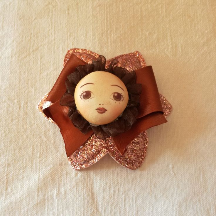 #fermaglio #hairpin #hairclip #handmade #fattoamano #spilla #brooch #glitter #face #doll #dollface #brown #flower #spring #fommy #lace #raso #pizzo #satin #vintage #paris #lovely #girlaccessories #hair #capelli #bow #fiocco #bigeyes