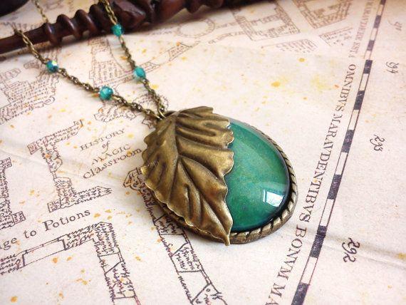 Elvish necklace with blue green gold cabochon and brass leaf  Collier Cabochon vert bleu et doré et par LeManegeSurLaColline