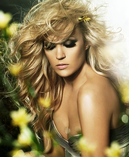 Carrie Underwood - DIsclaimer: Not a fan, but I am loving this photo. Colors, composition, hair, yes.