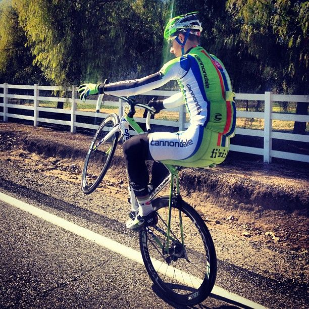 Peter Sagan, showing some skillz