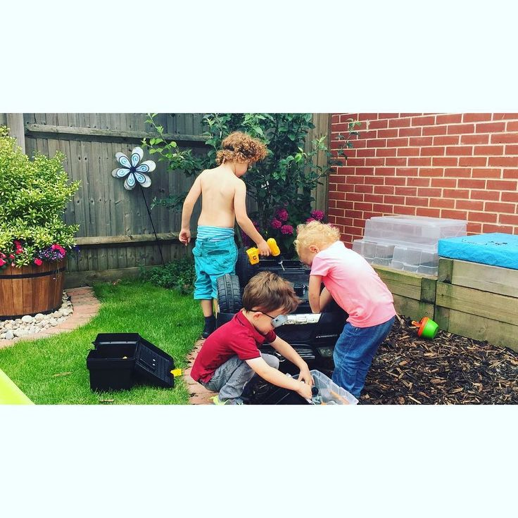 Working hard on their merc  #parenting #cousins #brothers Lets connect on facebook: http://ift.tt/2gq1dB7
