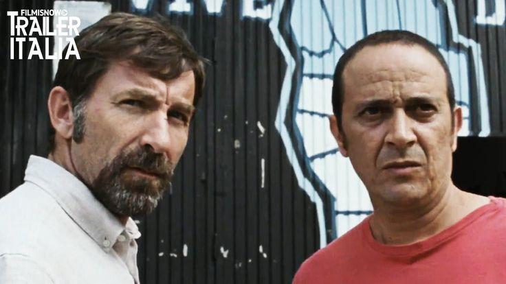 """Il Trailer di """"La vendetta di un uomo tranquillo"""" un film di Raúl Arévalo con Antonio de la Torre. Madrid, agosto 2007. Curro è l'unico di una banda di quattro criminali che viene arrestato per una rapina in una gioielleria. Otto anni più tardi, la sua fidanzata Ana e il loro figlio sono in attesa …"""