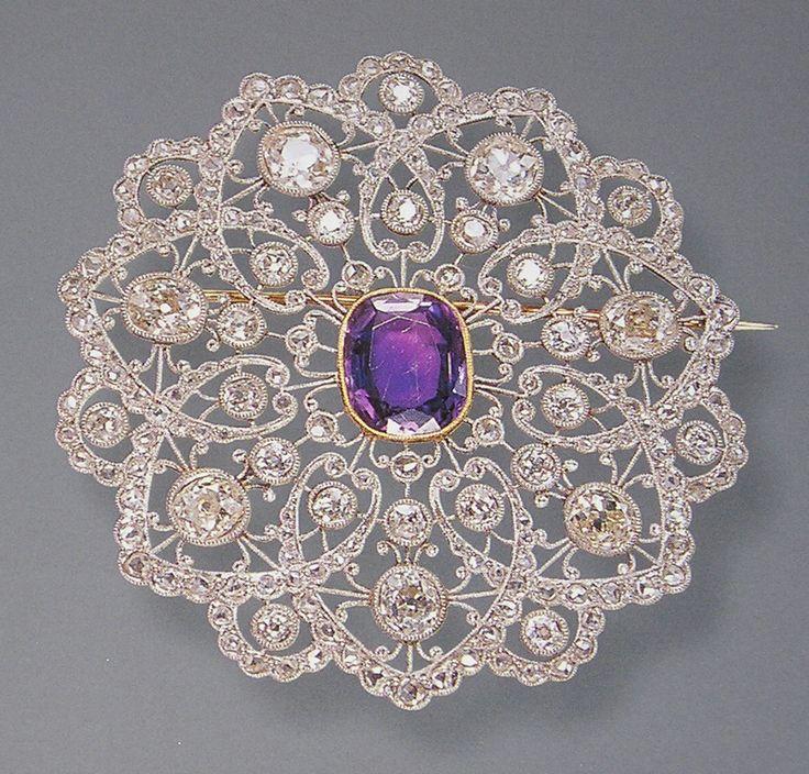 Exquisite platinum  and diamond Edwardian brooch
