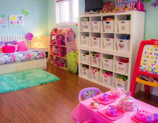 A well #organized little girl's room! Our brightly colored pink totes would be a perfect addition!