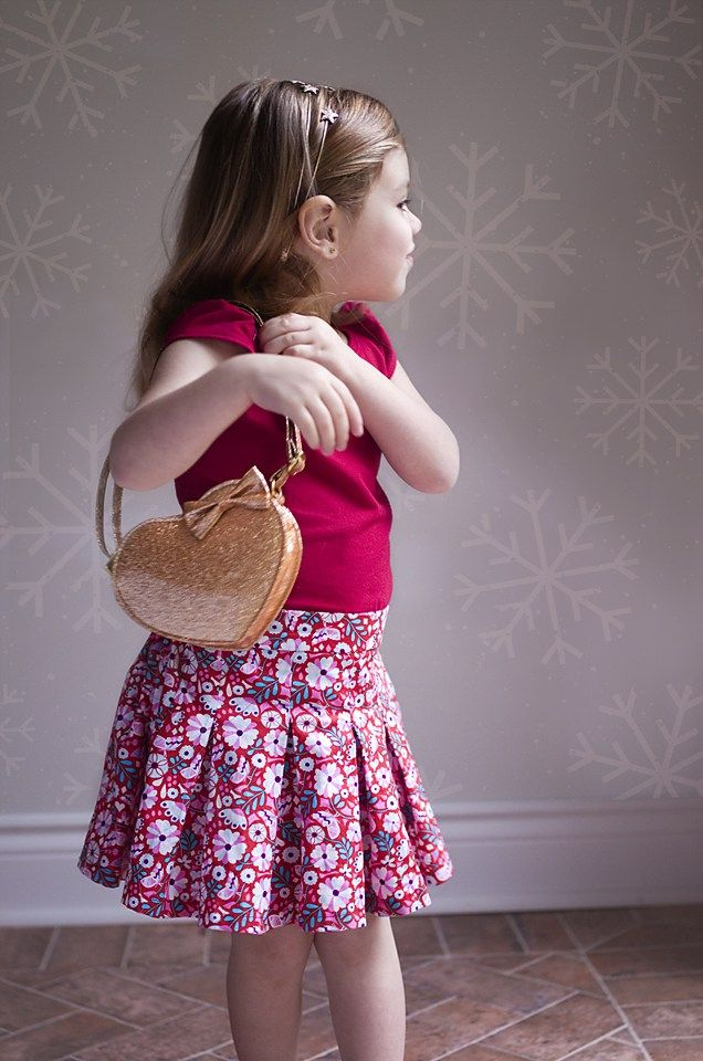 Girls Paris Party dress, oh so pretty and free! Free PDF pattern by Mummykins and Me sewn by Élégantine!