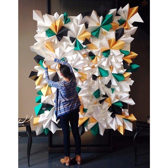 a geometric explosion backdrop thanks to @tinseltwine! #blogshopny
