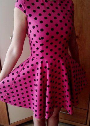 Kup mój przedmiot na #vintedpl http://www.vinted.pl/damska-odziez/krotkie-sukienki/17406982-rozowa-rozkloszowa-sukienka-w-czarne-groszki
