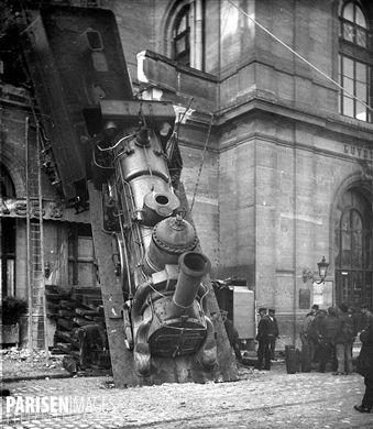 Accident de la gare Montparnasse. Paris, 22 octobre 1895. Détail d'une vue stéréoscopique.