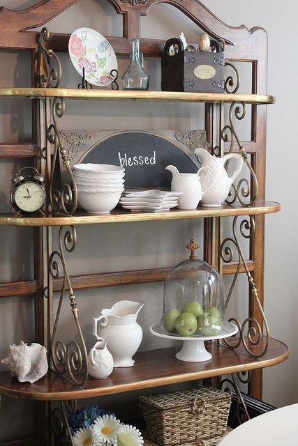 baker's-rack decorating..