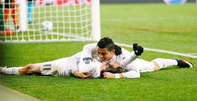 CHAMPIONS LEAGUE: RONALDO STARS AS FOUR-GOAL REAL SURVIVE SHAKHTAR RALLY TO WRAP UP TOP SPOT...... See More http://goo.gl/nZ4gfg