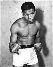 Boxing History:  1958 - Sugar Ray Robinson regained his middleweight title for the fifth time when he defeated Carmen Basilio in a 12-round decision.    keepinitrealsports.tumblr.com