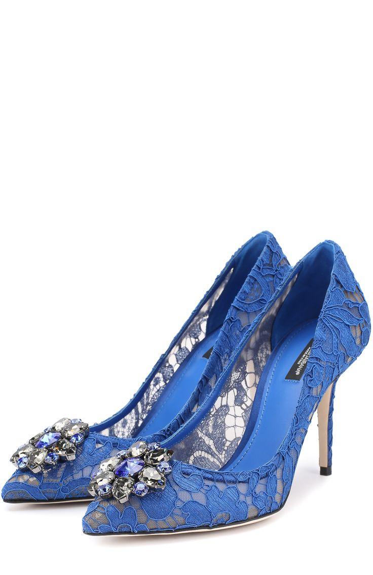 Женские синие кружевные туфли rainbow lace с брошью Dolce & Gabbana, арт. 0112/CD0101/AL198 купить в ЦУМ | Фото №1