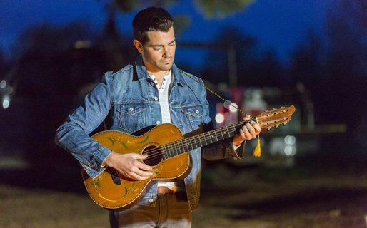 Cowboy Rides Away - Jesse Metcalfe