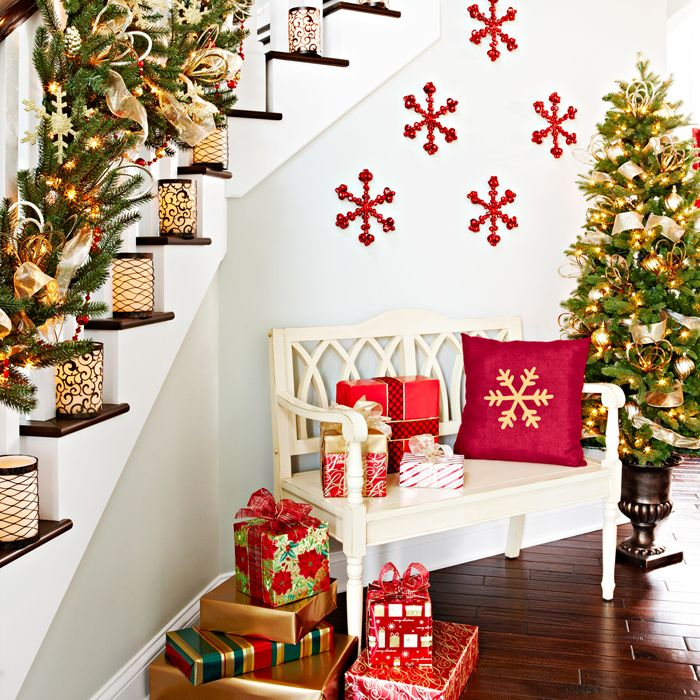 Foyer with christmas decorations christmas pinterest for Foyer christmas decorating ideas