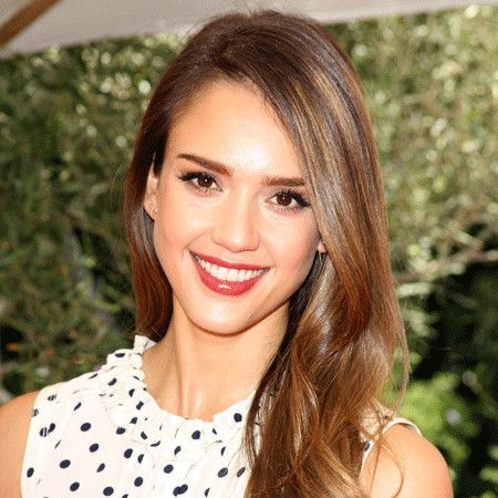 Jessica Alba wiki, affair, married, Lesbian with age, height