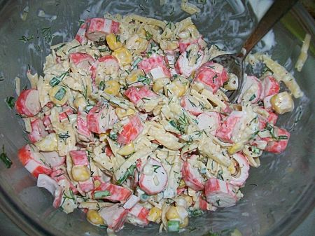 Простые рецепты салата из консервированой фасоли