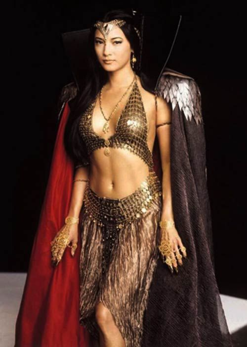 Kelly Hu in 'The Scorpion King' (2002).