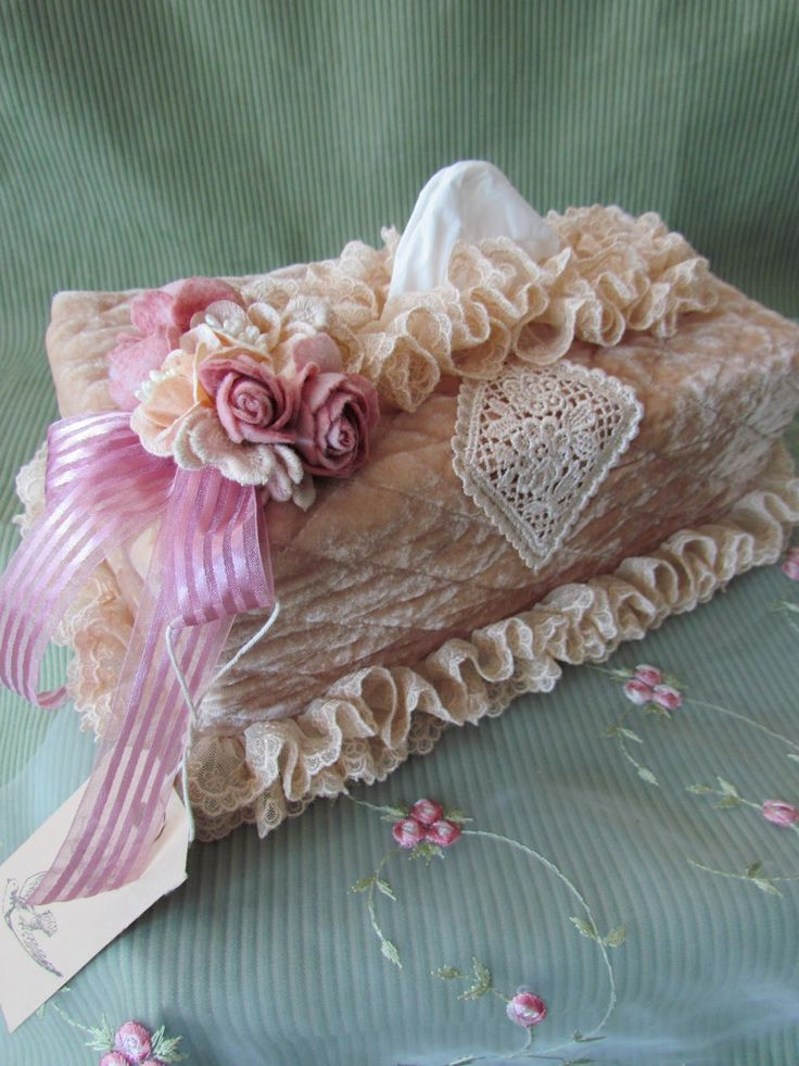 Lace and velvet tissue box holder sewing patterns for Tissu shabby chic