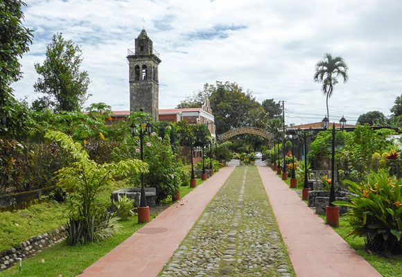 The city of David, in the Chiriquí Province of western Panama, is Panama's third largest city and most affordable. David has the infrastructure of a modern First World city but with a charming small-town atmosphere.