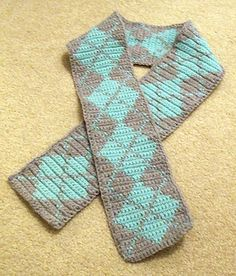 Crochet Simple Argyle Scarf free pattern.