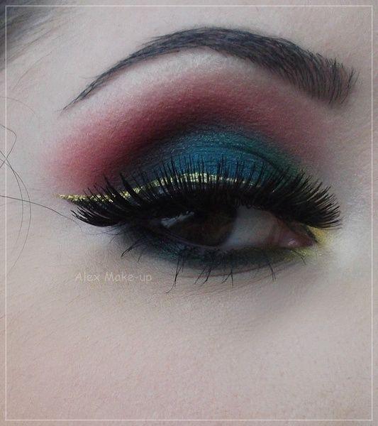 Christmas Look http://www.makeupbee.com/look.php?look_id=73015